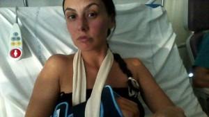 """Tolosa, Prisca Boh racconta aggressione sessista su Fb: """"Mi hanno rotto un polso"""""""