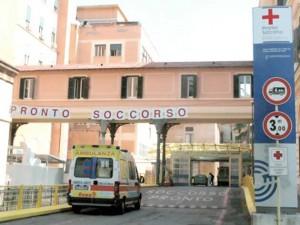 Roma, uomo armato di bisturi minaccia medici al Policlinico Umberto I