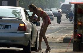 Torino, controllavano lucciole con una app: arrestati 10 albanesi