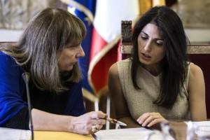 Virginia Raggi, Procura indaga su nomina Raineri