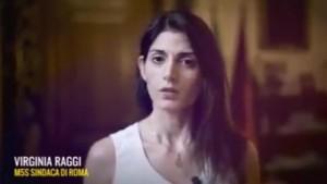 """Raggi """"garantista"""", il video salva-Muraro. In stile Berlusconi..."""
