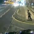 VIDEO YOUTUBE Donna da sola in strada di notte: aggredita ma riesce a salvarsi 3