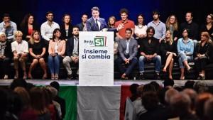 Referendum, Renzi ingaggia guru Usa del 'porta a porta' per conquistare gli indecisi