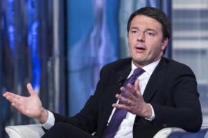 """Renzi: """"Pensioni minime, quattordicesima fino a mille euro"""""""