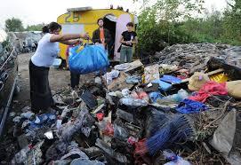 Roma, tangenti al campo rom: soldi ai nomadi per smaltire i rifiuti tossici