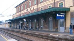 Incinta rapinata e presa a calci sul treno: parto ok. Due arresti