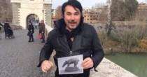 Esclusiva Blitz Appello a D'Urso contro omofobia di Russo al Gf