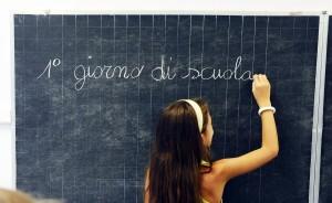 Scuola, primo giorno ma è già polemica tra scioperi, caos prof e...