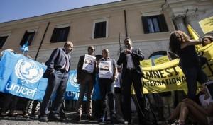 Siria, sit-in per chiedere stop bombe: anche Fnsi lancia appello di pace
