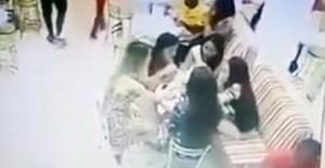 Guarda la versione ingrandita di VIDEO YOUTUBE Sparatoria in gelateria: killer uccide vittima davanti alla fidanzata