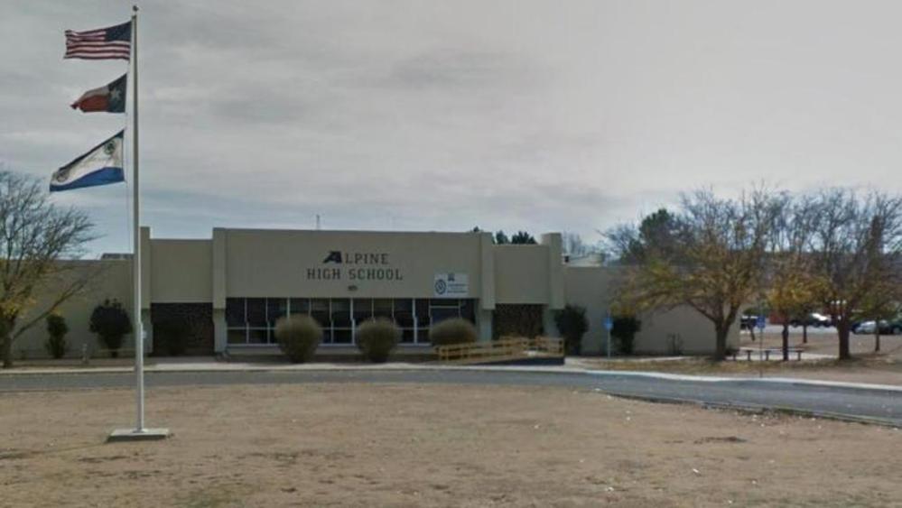 Sparatoria Texas, fuoco nel liceo Alpine: almeno 1 morto e 2 feriti VIDEO