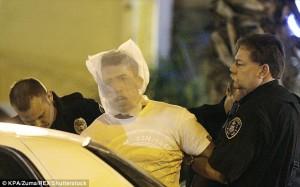 Spit hood, nuova tecnica di arresto della polizia fa discutere