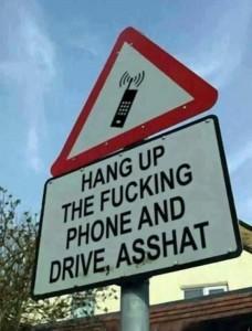 Apple (& c.) può bloccare telefono di chi guida: perché non lo fa?