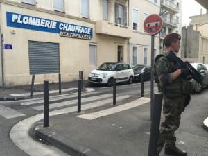 Guarda la versione ingrandita di Allarme terrorismo a Marsiglia: auto con bombole di gas vicino sinagoga