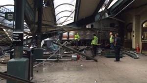 Usa, treno si schianta nella stazione di Hoboken: possibili vittime