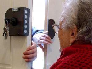 """Truffe agli anziani, carabinieri lanciano allarme: """"Aumentano raggiri"""""""