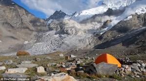 Guarda la versione ingrandita di VIDEO YOUTUBE Valanga in India: la montagna crolla a Zanskar