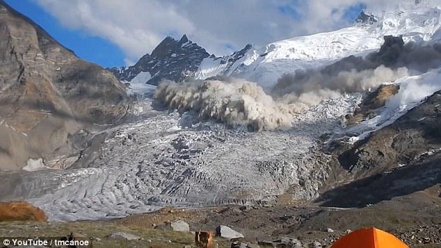 VIDEO YOUTUBE Valanga in India: intera montagna crolla a Zanskar