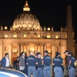 Vaticano, uomo sfonda transenne a Piazza San Pietro FOTO 4