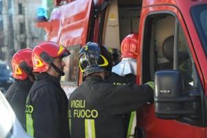 Agnano, bus esplode in strada: autista salva i passeggeri