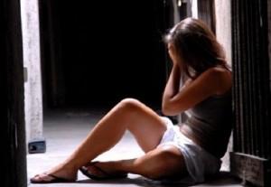 Reggio Calabria: 13enne violentata e ricattata dal branco per 2 anni. Dieci arresti
