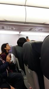 Virginia Raggi su aereo Alitalia. Parte spot per le Olimpiadi a bordo e lei...VIDEO