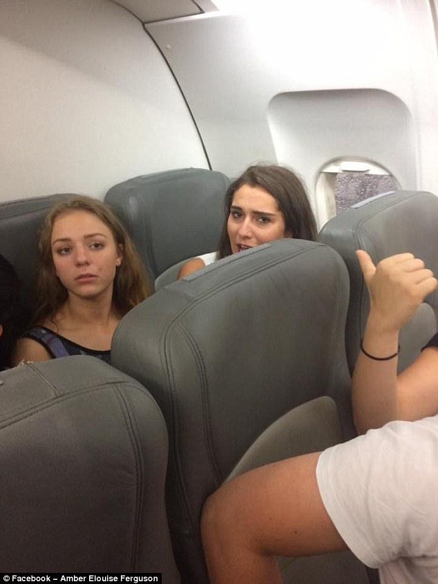 Ubriachi sul volo per Ibiza: caos su due voli per passeggeri molesti