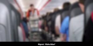 "VIDEO YOUTUBE Passeggero urla ""Allahu akbar"" su volo Easyjet Londra-Venezia"