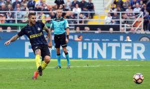 """Icardi, ultras Curva Nord Inter sotto casa. Striscione: """"Quando arrivano tuoi amici argentini ci avverti?"""""""
