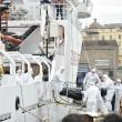 Migranti, al porto di Napoli ne sbarcano 465 03