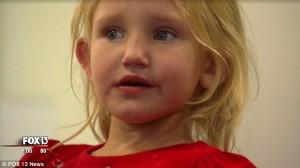 YOUTUBE Rebecca Lewis ritrovata, era stata rapita dal suo letto: il momento in cui riabbraccia i genitori