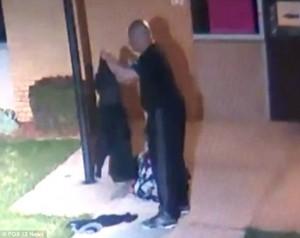 VIDEO YOUTUBE Bambina di 5 anni abbandonata dal padre: immagini shock
