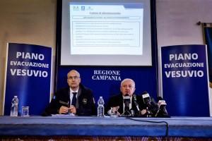 Vesuvio, nuovo piano emergenza: due zone rosse e 700mila persone da evacuare