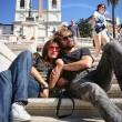 Ambra Angioini in piazza di Spagna col nuovo fidanzato Lorenzo Quaglia2