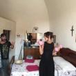 Ambra Angioini in piazza di Spagna col nuovo fidanzato Lorenzo Quaglia5