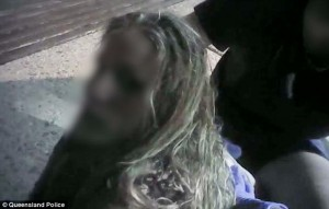 Guarda la versione ingrandita di YOUTUBE Australia: Flakka, effetti droga della follia: ragazza zombie, uomo delira