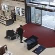 Cliente distrugge per sbaglio quattro televisori 3