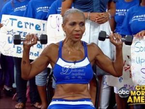 Ernestine Shepherd, la body builder più anziana del mondo