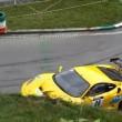Ferrari contro muretto praticamente da ferma incredibile incidente in salita