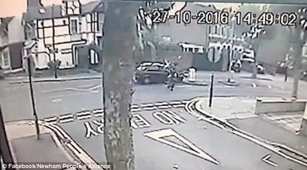 YOUTUBE Investono con auto donna di 50 anni e 2 bambini, poi scendono e scappano2