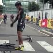 Jeremy Santucci, scatto d'ira durante gara