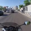 Kiev, abbandona moto in mezzo alla strada ed insegue scippatore 4