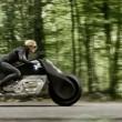 La moto Bmw che non cade mai7