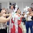 Matrimonio rom dura 4 giorni: sposa con abito da 200mila euro9