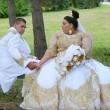 Matrimonio rom dura 4 giorni: sposa con abito da 200mila euro6