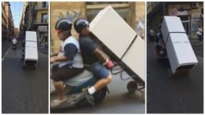 Napoli, trasportano frigorifero con lo scooter4