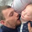 Nasce senza bulbi oculari: Elijah è completamente cieco