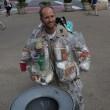 New York, indossa la spazzatura che ha prodotto nelle ultime due settimane6