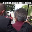 Nonna bolognese con Le Iene porta tortellini a pompieri Amatrice3