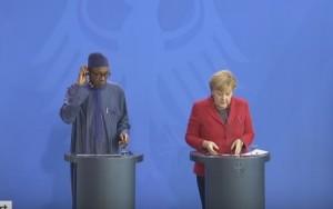 """Il presidente nigeriano: """"Mia moglie è parte integrante della cucina"""""""